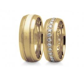 Bogato zdobiony duet obrączek ślubnych z 14K żółtego złota z błyszczącymi półokrągłymi brzegami środek wysadzany cyrkoniami