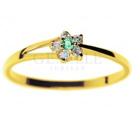 Złoty pierścionek zaręczynowy z okrągłym szmaragdem i brylantami 0,05 ct