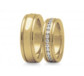 Gjawiskowy komplet obrączek ślubnych ze złota próby 585 - wnętrze obrączki zdobi rząd cyrkonii Swarovski ELEMENTS lub wiecznych brylantów