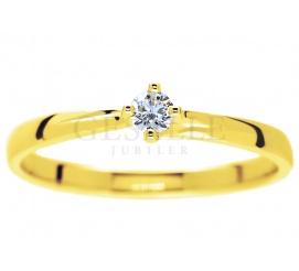 W romantycznym stylu - subtelny, złoty pierścionek zaręczynowy z żółtego złota z brylantem 0.08 ct