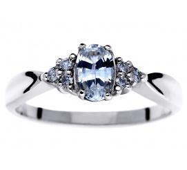 Oryginalny pierścionek zaręczynowy z białym szafirem i brylantami o łącznej masie 0,09 ct