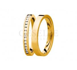Klasyczna para obrączek w nowoczesnej odsłonie - wąskie z klasycznego, żółtego złota z wiecznymi brylantami