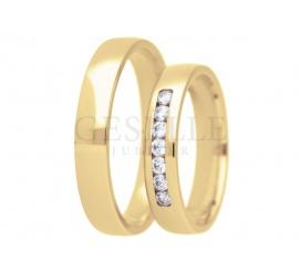 Elegancka para złotych obrączek ślubnych próby 585 z lśniącymi cyrkoniami Swarovskiego