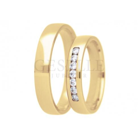 Elegancka para złotych obrączek ślubnych z lśniącymi cyrkoniami Swarovskiego