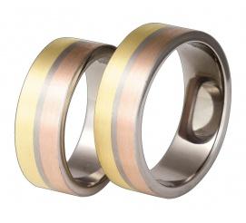 Trójkolorowe obrączki ślubne z tytanu, żółtego i czerwonego złota w klasycznym stylu