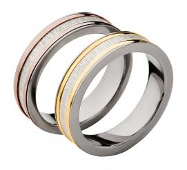 Klasyczna para obrączek ślubnych z tytanu z ozdobnymi bokami z 14-karatowego złota