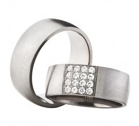 Szerokie obrączki ślubne z srebrzystego tytanu z kwadratową siatką lśniących cyrkonii Swarovski ELEMENTS