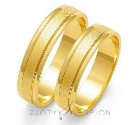 Popularna para obrączek ślubnych z żółtego 14-karatowego złota, po środku ozdobiona efektownym matem - szerokość 5mm