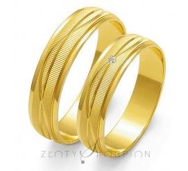 Stylowy komplet obrączek ślubnych z żółtego złota próby 585,  z subtelnymi falami i efektownym matem, z cyrkonią Swarovski Elements lub brylantem - szerokość 5 mm
