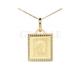 Elegancki medalik w kształcie kwadratu wykonany z żółtego złota z wizerunkiem Matki Boskiej
