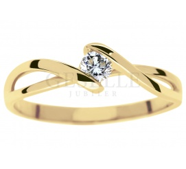 Urzekający, romantyczny pierścionek zaręczynowy z klasycznego złota z brylantem o masie 0,15 ct
