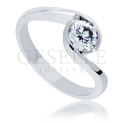 Pełnia blasku! - luksusowy pierścionek zaręczynowy z niezwykłym brylantem o masie 0.50 ct