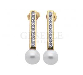 Elegancki komplet złotych kolczyków z białymi perłami hodowlanymi i cyrkoniami