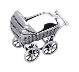 Doskonała pamiątka z okazji narodzin Dziecka - srebrny wózeczek z miejscem na pamiątkowy grawerunek