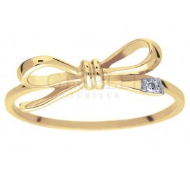 Dziewczęcy pierścionek Kokardka z żółtego złota próby 585 z wiecznym brylantem 0,01 ct