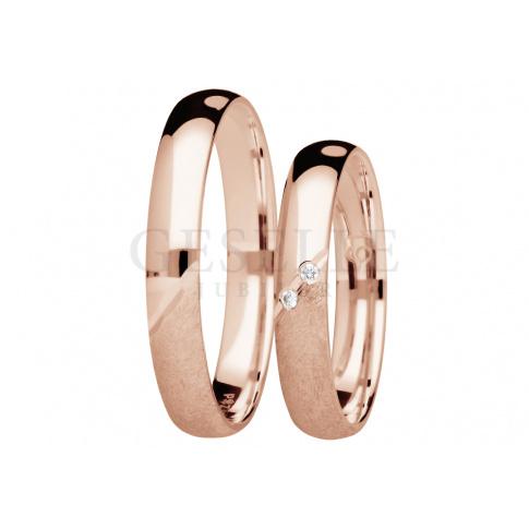 Niezwykłe obrączki z różowego złota z duetem brylantów - kolekcja You&Me