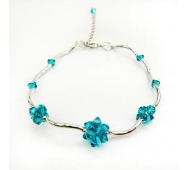 Delikatna i efektowna bransoletka z kryształami Swarovski Elements o barwie Blue Zircon  z kolekcji Casual