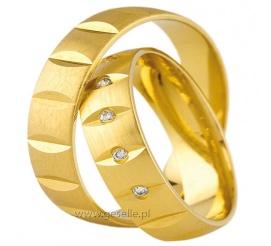 Oryginalne złote obrączki ślubne pr. 585 z poprzecznymi nacięciami i lśniącymi cyrkoniami Swarovski ELEMENTS