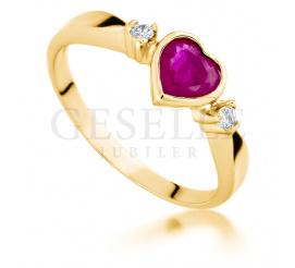Złoty pierścionek zaręczynowy z kamieniem w kształcie serca - rubin i wieczne brylanty 0.04 ct