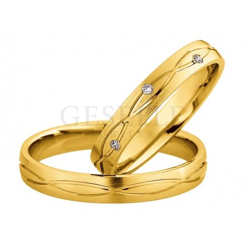 Pełna elegancji męska obrączka z żółtego złota próby 333 z delikatnym wzorem
