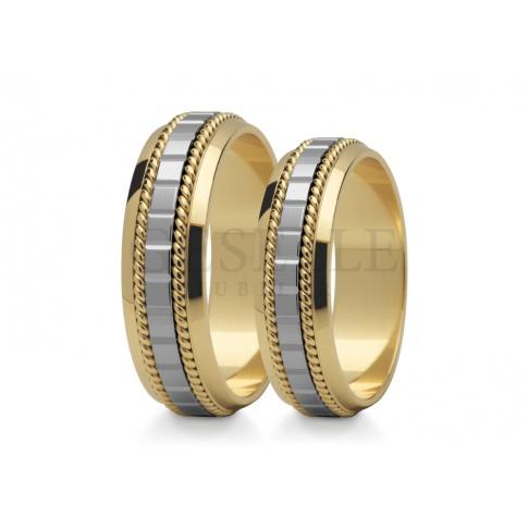Delikatne obrączki ślubne z wspaniałą, ozdobną szyną z białego i żółtego złota