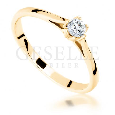 Olśniewający pierścionek zaręczynowy - z brylantem 0.15 ct - ponadczasowy klasyczny styl