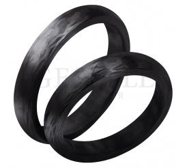 Wyjątkowy komplet obrączek ślubnych wykonany z ultranowoczesnego materiału - karbonu