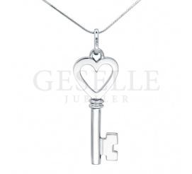 Komplet biżuterii wykonanej ze srebra próby 925 - delikatna zawieszka kluczyk z serduszkiem z możliwością graweru