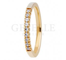 Wyjątkowy pierścionek z żółtego złota z lśniącymi brylantami dla wyjątkowej kobiety kolekcja ESSENCE II