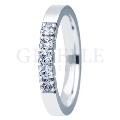 Niepowtarzalny pierścionek z białego złota z pięknymi brylantami na zaręczyny, rocznicę - kolekcja ESSENCE II