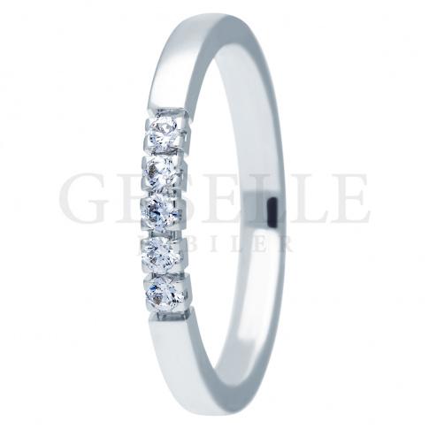 Nowoczesny pierścionek zaręczynowy z białego złota z brylantami 0.15 ct - kolekcja ESSENCE II