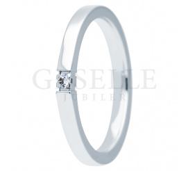 Modny pierścionek zaręczynowy ESSENCE II z białego złota z brylantem 0.035 ct