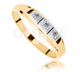 Wyjatkowy pierścionek zaręczynowy z żółtego złota z trzema brylantami w stylu retro