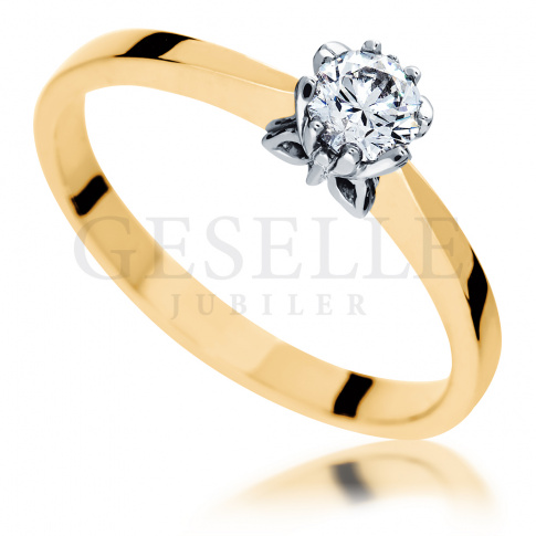 Złoty pierścionek zaręczynowy z koroną w kształcie motyla i brylantem 0.30 ct - Symbol Miłości