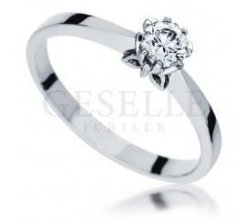 Klasyczny pierścionek zaręczynowy - białe złoto i brylant 0,35 ct - dla wyjątkowych kobiet