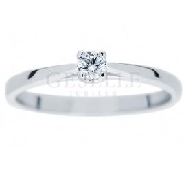 Nowoczesny pierścionek z motywem serca o masie 0,10 ct z kolekcji GESELLE Jubiler