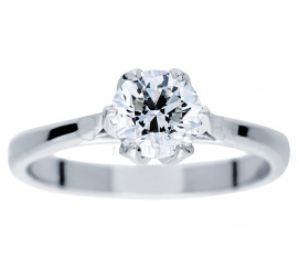 Czarujący pierścionek wykonany z białego złota z okazałym brylantem o masie 0,90 ct