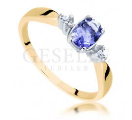 Interesujący pierścionek z oryginalnym  iolitem o przepięknej barwie w towarzystwie brylantów