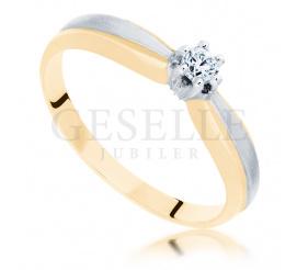 Niezwykły pierścionek w dwukolorowym złocie z brylantem o masie 0,12 ct