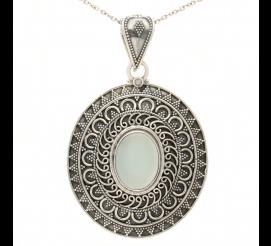 Oryginalnie zdobiona zawieszka w stylu retro z kwarcem wykonana ze srebra próby 925