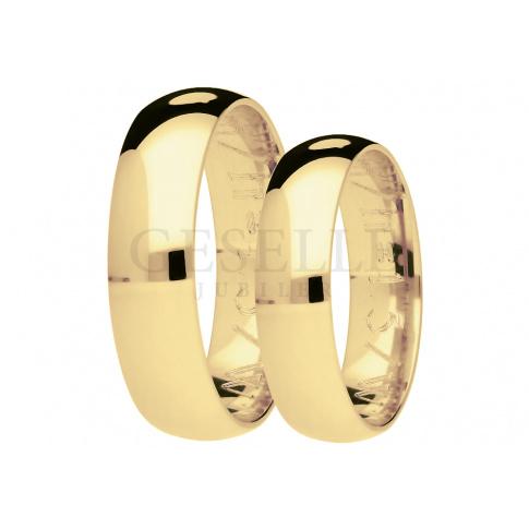 Tradycyjne półokrągłe obrączki z żółtego złota pr. 585, pokryte dekoracjnym matem, szerokość 5 mm