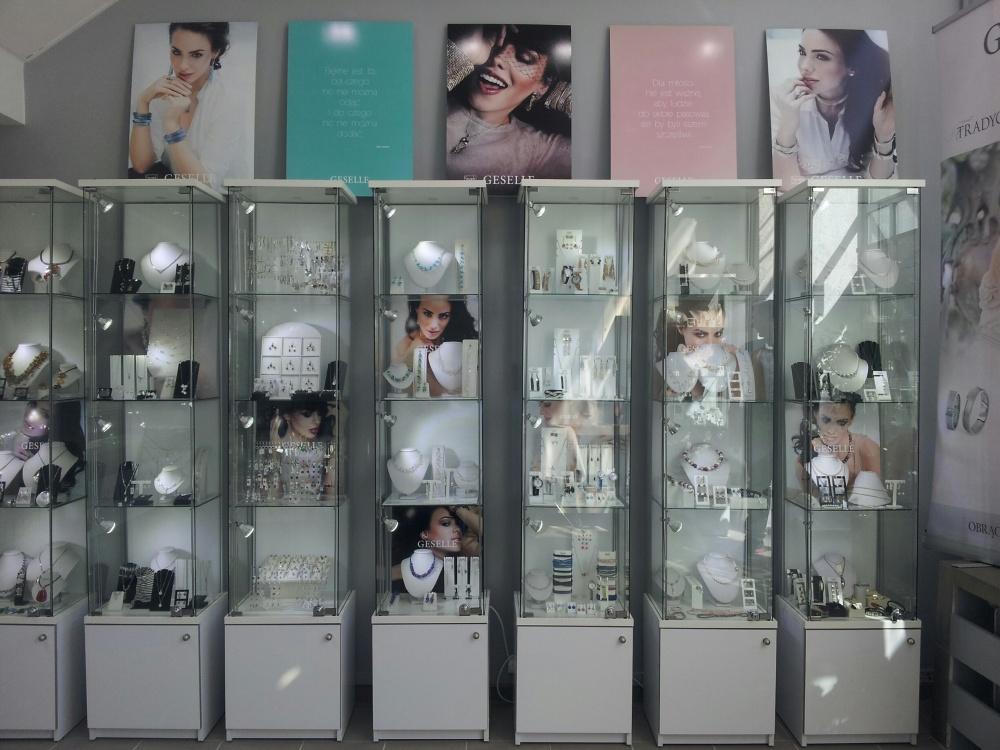 Nowy salon ze srebrną biżuterią, akcesoriami do ślubu oraz zegarkami - GESELLE Jubiler