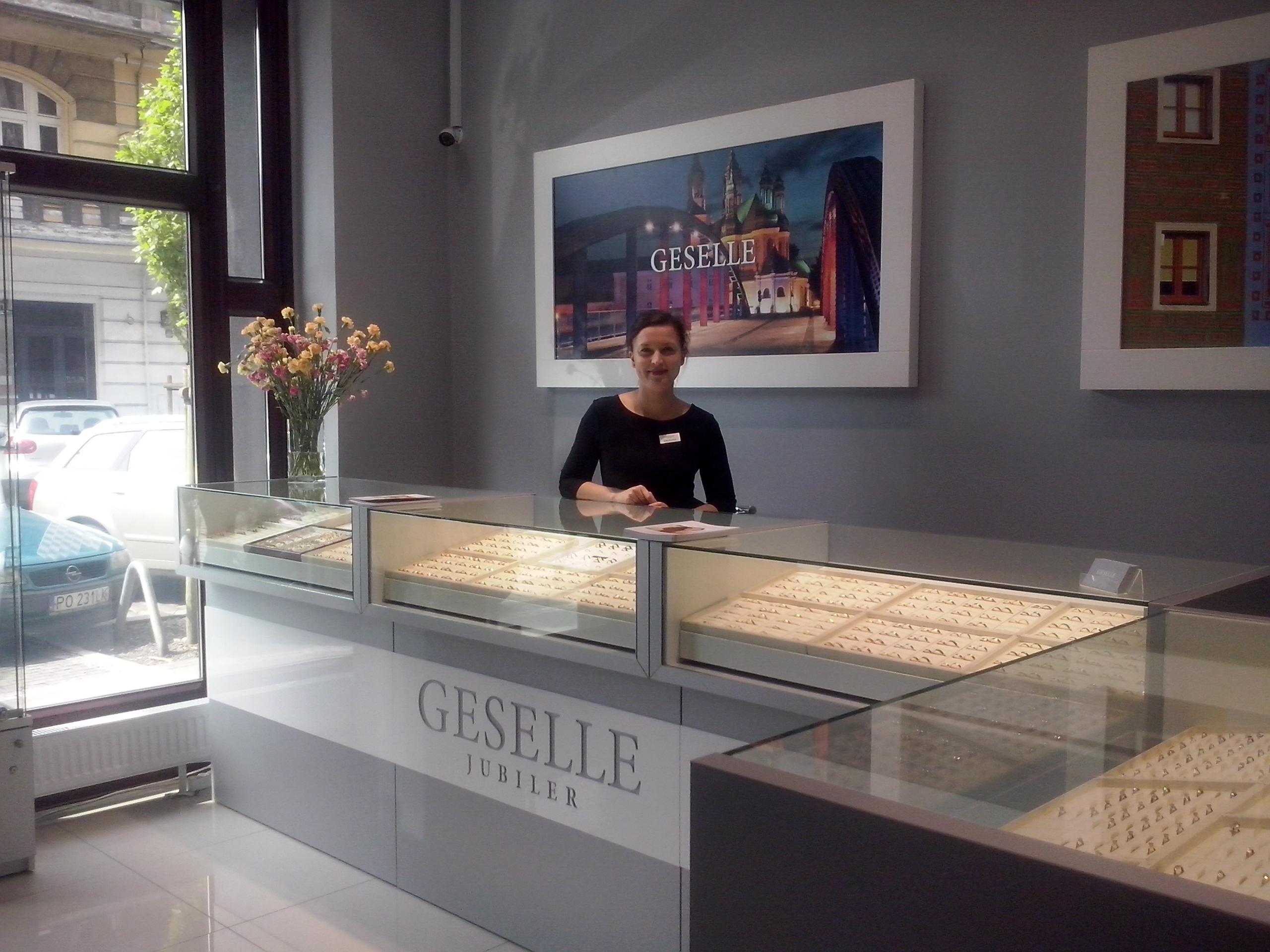 Nowy salon GESELLE Jubiler w Poznaniu - pierścionki zaręczynowe, obrączki ślubne i biżuteria do ślubu