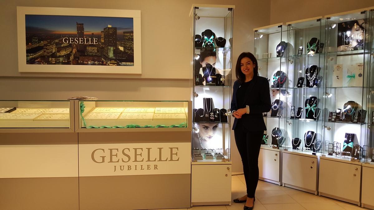 Nowy salon jubilerski w Warszawie - najwyższej jakości pierścionki zaręczynowe i obrączki ślubne oraz biżuteria do ślubu od GESELLE Jubiler
