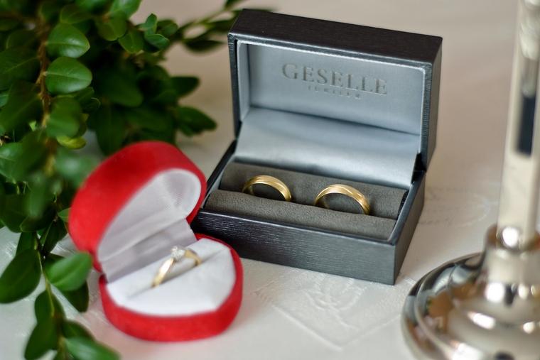 Obrączki ślubne i pierścionek zaręczynowy Klientów GESELLE Jubiler